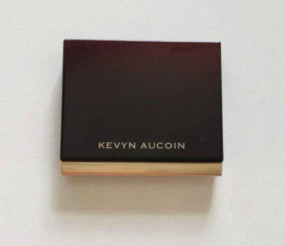 kevyn-aucoin-sculpting-powder-light-1