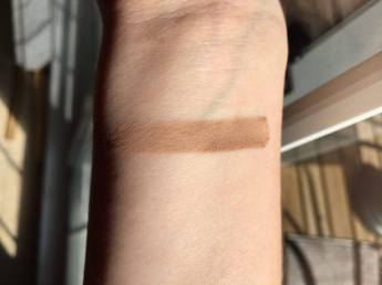 Kevyn AuCoin Sculpting Powder Light Swatch 1.jpg